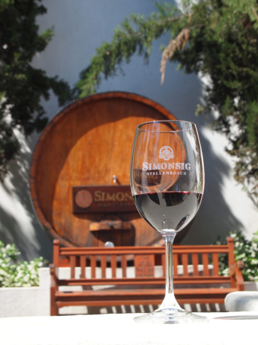 Simonsig-Vineyard-Stellenbosch-wine-glass-tour