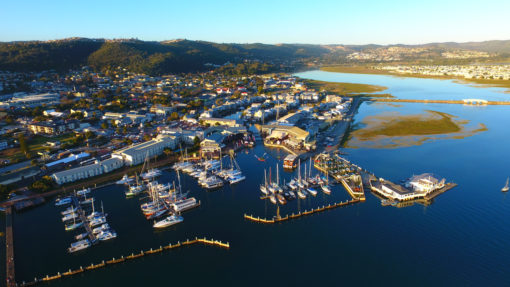 THE-KNYSNA-LAGOON-harbor-yatchs