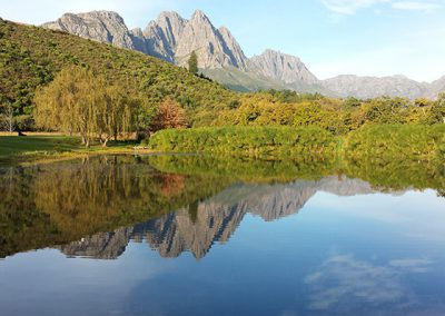 stellenbosh-dam-mountain
